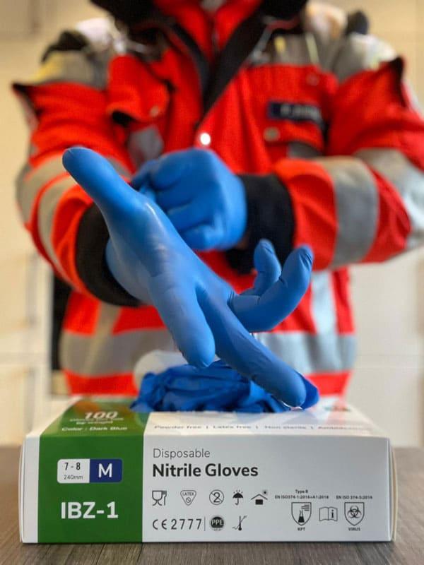 24Medical Nitrile Gloves in medical use